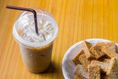 Café et biscuits glacés Images stock