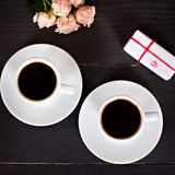 café et coeurs, carte la Saint-Valentin, cadeau, fleurs Images libres de droits