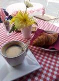 Café et croissant Image stock
