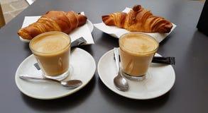 Café et croissant Images libres de droits