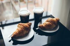 Café et croissant pour la culture de café de petit déjeuner Image stock