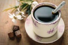 Café et fleur d'expresso de matin Photos libres de droits
