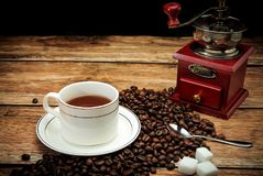 Café et grains de café intenses Photos stock