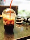 Café et l'appareil-photo Photo stock