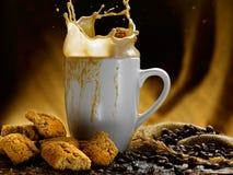 Café et lait Photos stock
