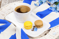 Café et macarons Photos stock