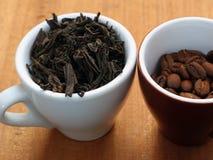 Café et thé crus images stock