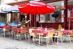 Café europeo de la calle fotografía de archivo libre de regalías
