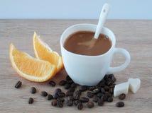 Café express con la naranja Fotos de archivo
