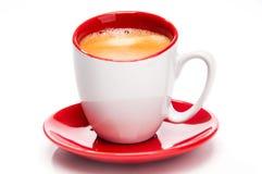 Café express dans la fin rouge et blanche de tasse vers le haut Image libre de droits