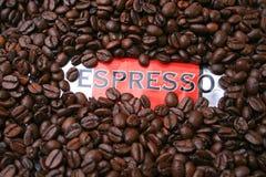 Café express de los granos de café Fotos de archivo libres de regalías