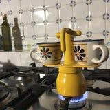 Café express en la estufa, leone de San, mayo de 2018 imagen de archivo
