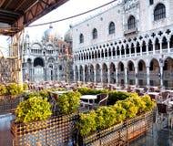 Café extérieur, Piazza San Marco, Venise Photos stock