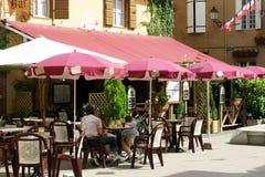 Café français au soleil Images stock