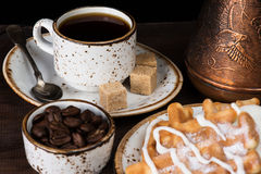 Café, gaufres et crème glacée  Image libre de droits