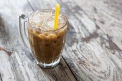 Café glacé thaïlandais avec du lait photo stock