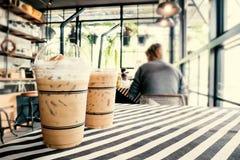 Café helado, bebida fría en el café Imagenes de archivo