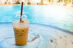 Café helado con la piscina Fotografía de archivo
