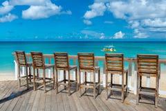 Café im Freien auf dem Strand von Barbados, karibisch Lizenzfreie Stockfotos