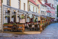Café im Freien in der alten Stadt Lizenzfreie Stockfotos
