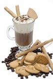 Café isolado com bolachas. Fotos de Stock Royalty Free