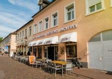 Café, konditorei, dietsche, backerei, Caféfassade in deutscher Verdichtereintrittslufttemperat stockbild