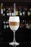 Café Latte no vidro de vinho Foto de Stock Royalty Free