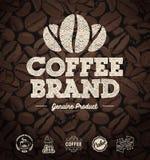 Café Logo Labels y fondo de los granos de café ilustración del vector