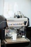 Café-machine automatique images libres de droits