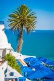 Café mit schöner Ansicht über Hafen Sidi Bou Said Stockbild
