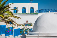 Café mit schöner Ansicht über Hafen Sidi Bou Said Lizenzfreies Stockfoto