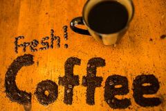 Café molido fresco imagenes de archivo