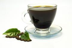 Café muito forte no copo de vidro imagem de stock