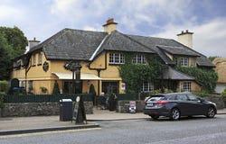 Café na cidade Adare Imagens de Stock Royalty Free