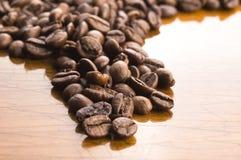 Café no fundo de madeira imagem de stock