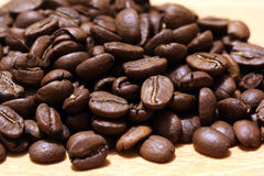Café no fundo de madeira Imagens de Stock Royalty Free