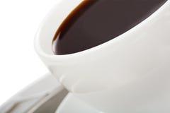 Café noir dans une cuvette de café blanc Images libres de droits