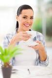 Café potable de femme Images stock