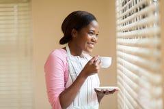 Café potable de femme photo stock