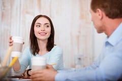 Café potable des jeunes Photographie stock
