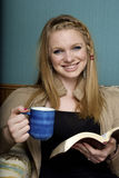 Café potable et affichage de matin Image stock