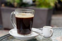 Café quente com creme Fotos de Stock