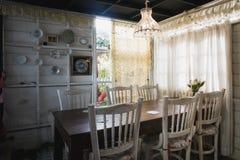 Café réglé avec le style de colonial de conception intérieure photographie stock