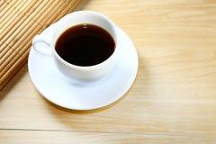 Café sólo en la taza blanca Fotografía de archivo