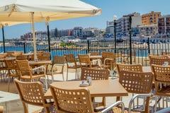 Café sur la plage dans Bugibba Image stock