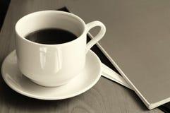 Café sur la table Photo stock