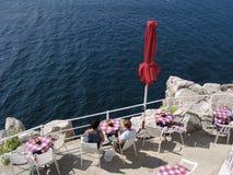 Café sur le bord (Croatie) Photos libres de droits
