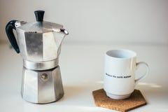 Café sur une table Photographie stock libre de droits