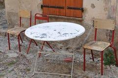 Café, tabela e cadeiras da rua fotos de stock
