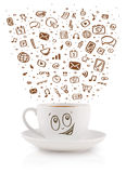 Café-taza con los medios iconos dibujados mano Imagen de archivo libre de regalías